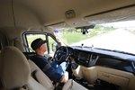 自动驾驶卡车上没有人?其实也要人操控