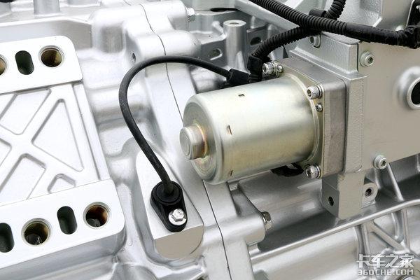 """AMT是啥?普通变速箱加个""""机器人"""",你踩油门,它负责换挡"""