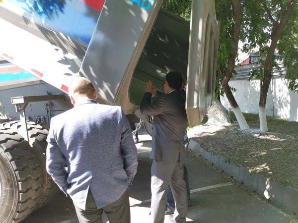 声名远播誉满全球聚焦中亚海外工程机械展览会中的SUNHUNK重卡风采
