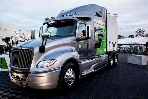 美国邮政服务用无司机的卡车开始测试