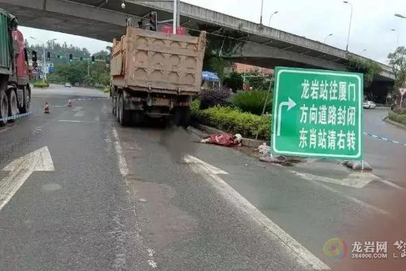 痛心!高速龙岩出口附近又发生一起大货车事故!