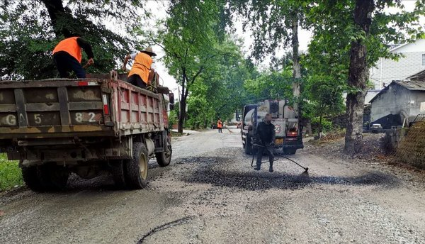 张家界市交通运输部门将着力解决G353公路出行难问题
