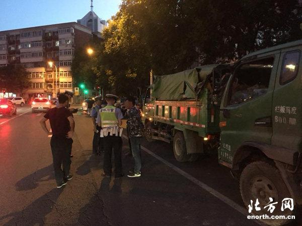 天津:和平支队集中治理货运车辆违法上路9辆大货车被处罚