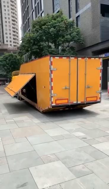 清障车还带货箱?这车看上去挺高级的