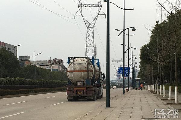 兰州:主城区危险化学品运输车辆禁行!