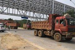 武汉:缉查布控系统 一天查扣4辆渣土车