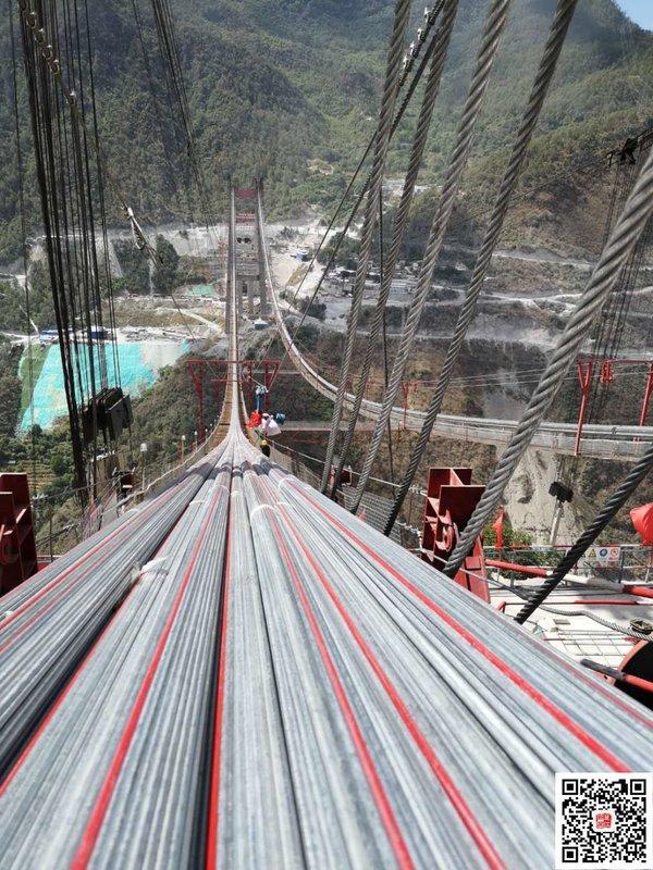 给力!香丽高速虎跳峡金沙江特大桥主缆架设完成