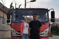 于美佳:我不会开卡车 但我喜欢坐卡车