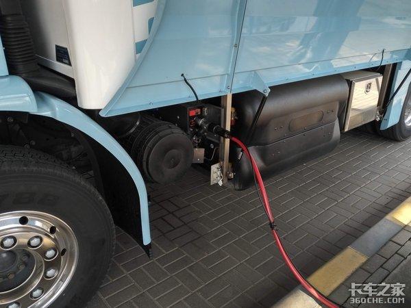 康明斯发动机+低入口驾驶室,这款沃尔沃FECNG卡车堪称经典