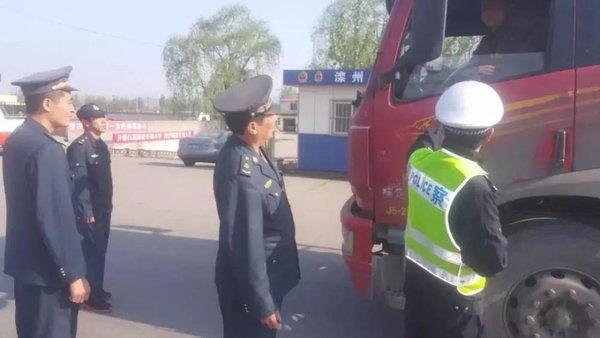 滦州铁腕治超!查扣非法超限超载车辆221辆!