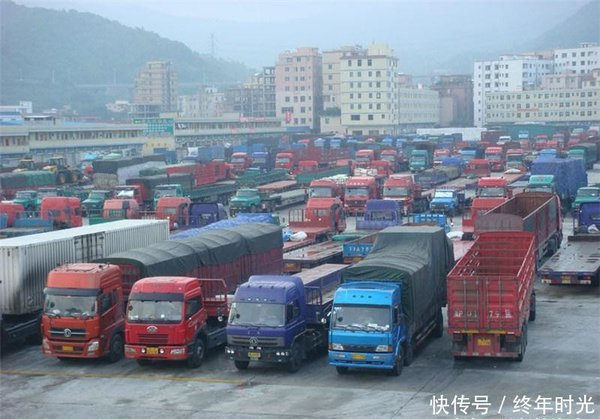 河南或将推出新政燃油货车禁止入城?商家:我家的货谁给我送?