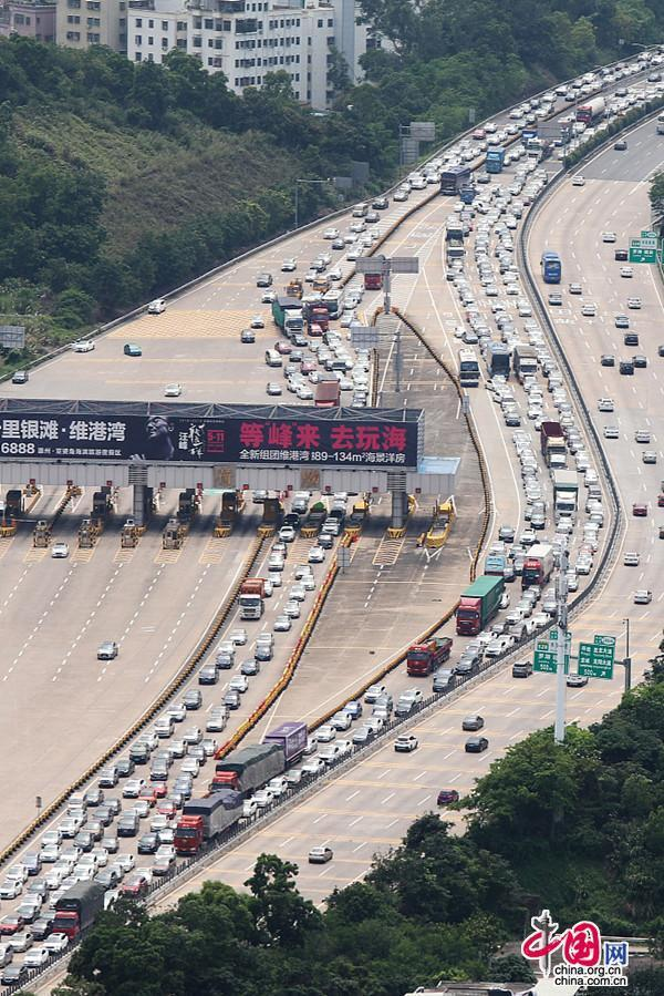 这几类车通行费将降低!违法超限超载车辆将无法驶入高速公路