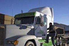 这辆车被称为卡车中的吃货 一天油耗8万