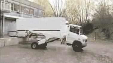 现实版变形卡车来袭!城市配送新利器!
