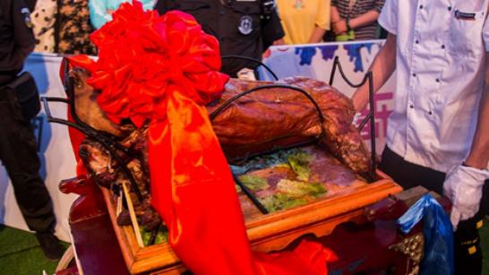 2019首届中国乌海湖汽车文旅大会暨第三届乌兰淖尔户外嘉年华圆满落幕