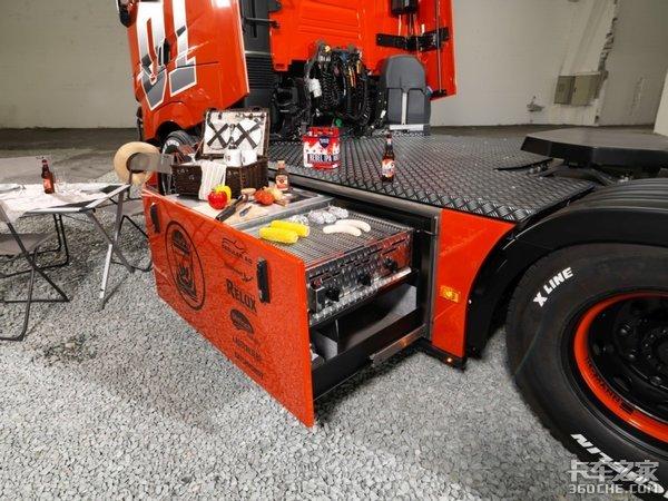 油箱改装成了烧烤架,这台雷诺T520重卡能随时随地撸串