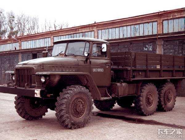 致敬抗美援朝时期的卡车司机,那时候开车不要钱,要命!