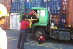 一天开车14小时,台湾货柜司机同样不易