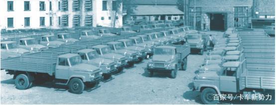 除了老东风、老解放国产长头卡车你还有谁?
