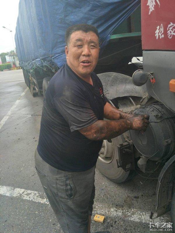 调查显示:5成以上卡车司机无养老保险