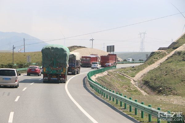 广州开展高速超载超限货车精准打击行动