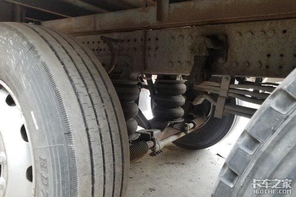 重汽经典再现,这款斯太尔9米6后提升桥厢货车还能火吗?