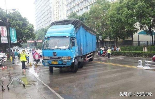 河南官宣9月底之前取消限高、限宽设施