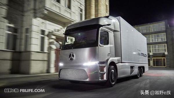 奔驰Urban e-Truck概念卡车 造型很科幻