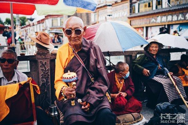 超级感叹号:在西藏,有一种信仰叫朝拜