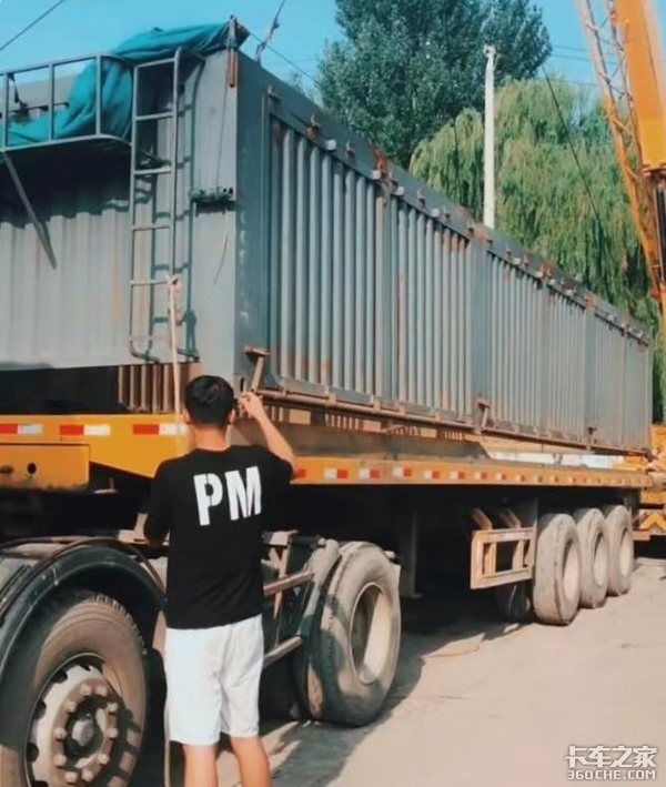 平板自卸车被治理后,后翻自卸车成主流