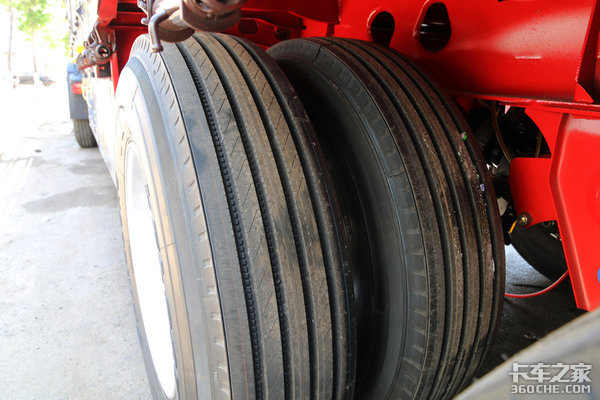 轮胎花纹门道还挺多,不同轮位如何选择