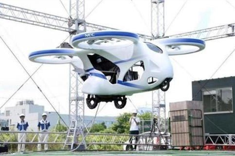 日本成功测试飞行汽车预计2023年实现物流运输