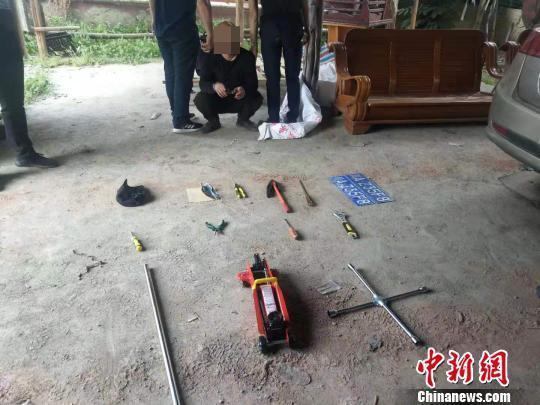 四川警方打掉偷油团伙8名'油耗子'被抓