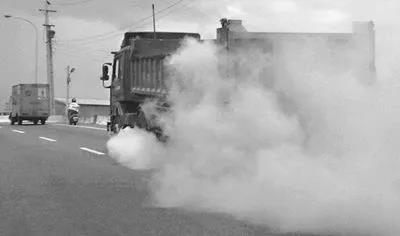 市监局:车辆排放不达标不是司机的问题
