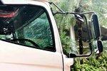欧洲卡车标配门镜,日系卡车偏爱外摆镜,你喜欢哪一种?