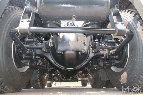 搭载康明斯X13动力红岩杰狮C6全芯出击