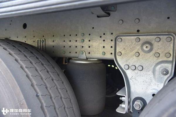 空气悬架+大单胎?这个13.7米挂车轻到爆