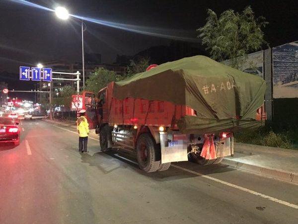 兰州交警:河北大队持续开展大货车整治