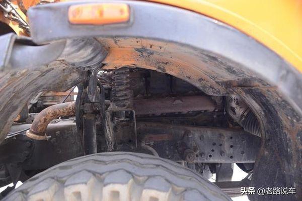 承载三一泵车发展路的北奔NG2629重卡