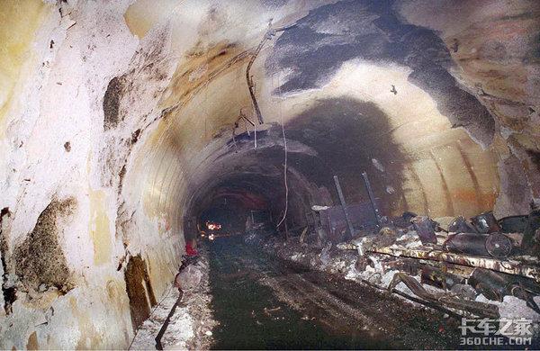 货车隧道着火致5死31伤!均为吸入废气窒息隧道火灾如何逃生?