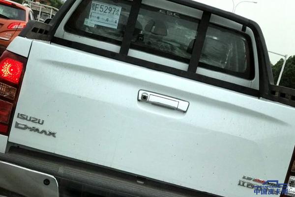 江�皮卡:新�型1.9T��六D-MAX曝光!
