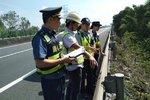 桂林高速管理处:路警企安全联合巡查!