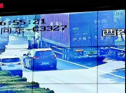 高速路又有新科技!红外线监测疲劳驾驶卡友们要注意!