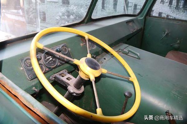 山城SC140型载货车表态重庆工业博物馆