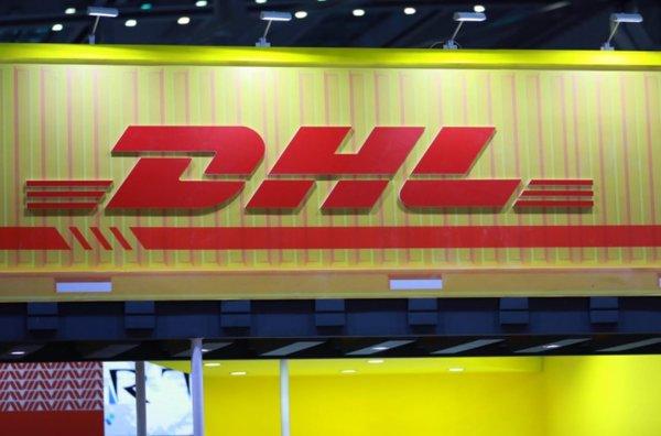 DHL投运环保电动物流车超1万辆发力绿色物流