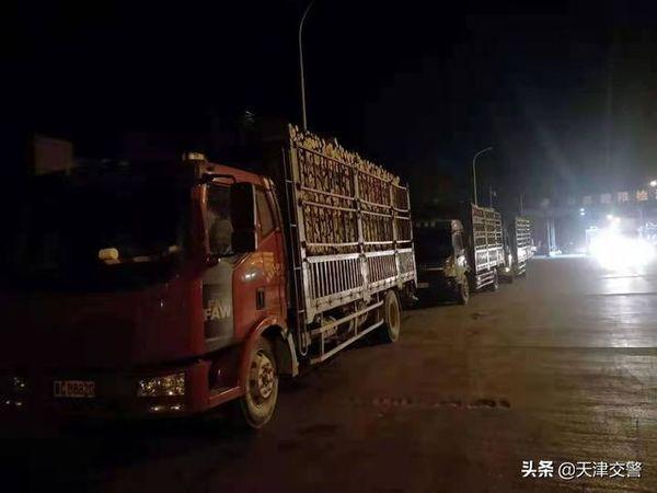 武清交警联合治超 10月查货车超载33起