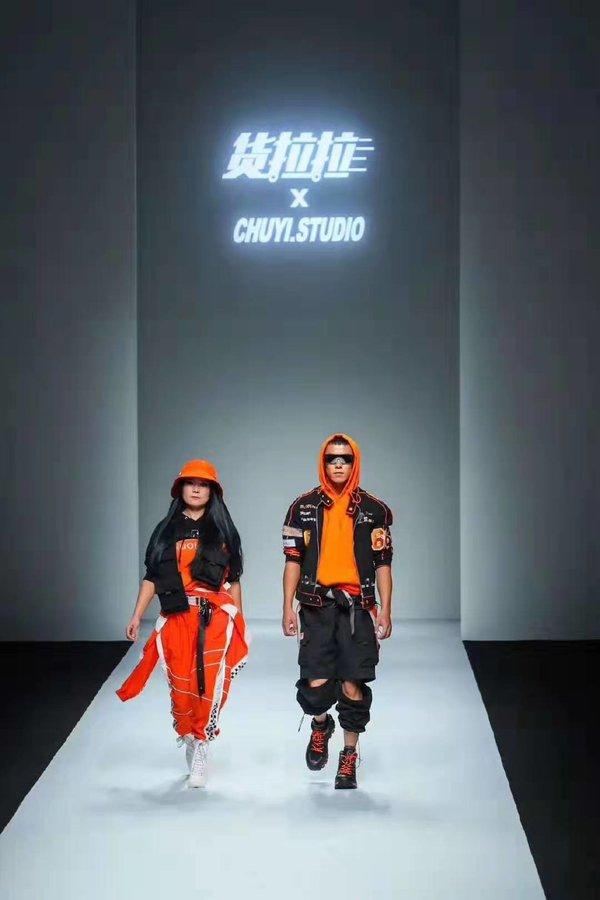 货拉拉时尚发布现场照:对于这场模特秀,你怎么看?(多图)