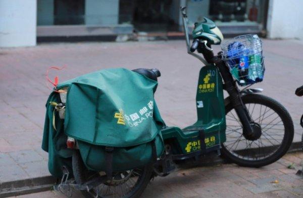 国家邮政局:1-9月全国快递业务量累计完成439.1亿件