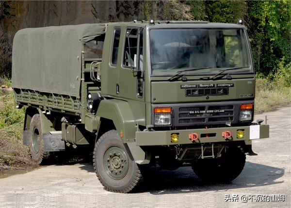 据说每一个男人都有一个卡车梦当今军用卡车一览