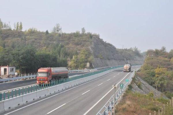 河北这段高速改造完工大货车可通行了!